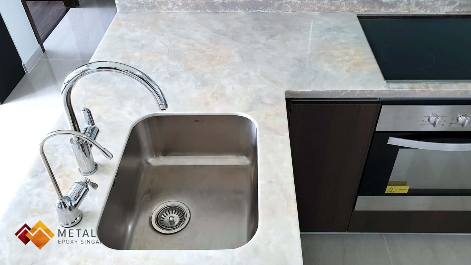 White-mixed Marble Design Countertop