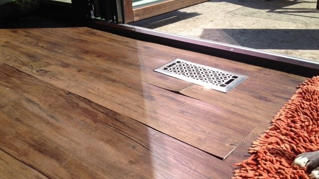 vinyl floor warppign